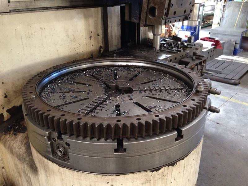 Slewing bearing turning